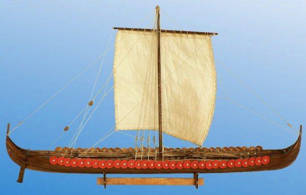 Viking Longship, 11th century - 1:72 Scale