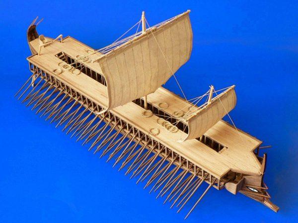 Greek Trireme, 1/72-scale wooden Model Kit