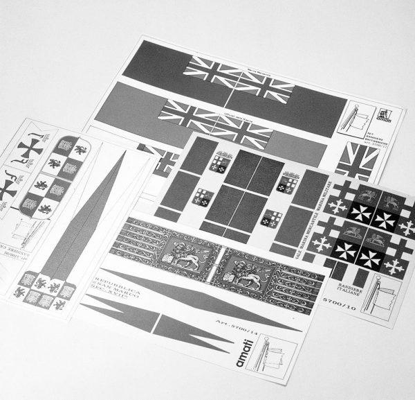 HMS Victory Flag Set