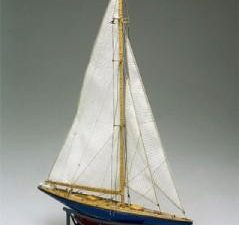 Mini Mamoli Endeavour II Wood Ship Kit