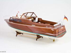 Queen Sports Boat